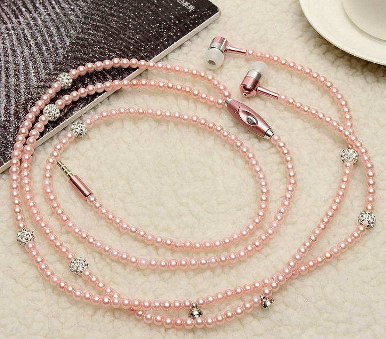 jewellery-earphone-for-smartphone-deluxe-pearls-earphones-luxury-line-type-img004.jpg